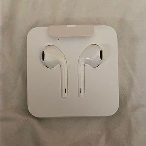 Apple Headphonea